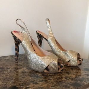GUESS PARTY SANDAL HEELS